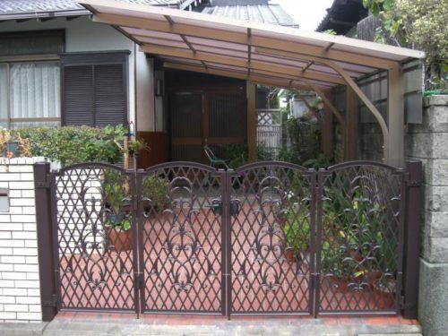 福津市花見ヶ丘鉄製の車庫ゲートの塗装後
