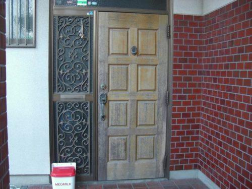 北九州市八幡西区日吉台玄関ドア塗装前