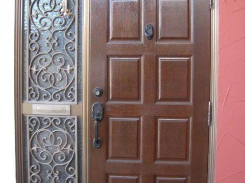 北九州市八幡西区日吉台玄関ドア塗装後