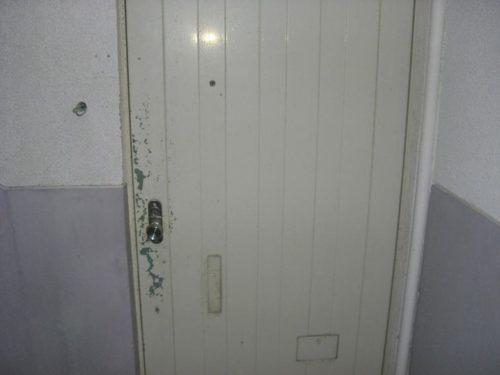 賃貸アパート、ドア施工前