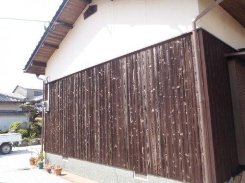 芦屋町山鹿、板材の塗装前