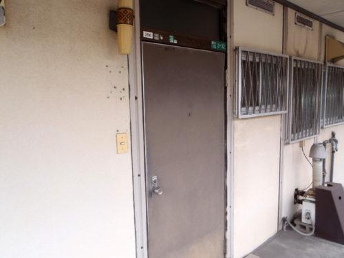 北九州市若松区アパート改修工事ドアビフォー